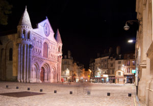 notre dame Poitiers nuit